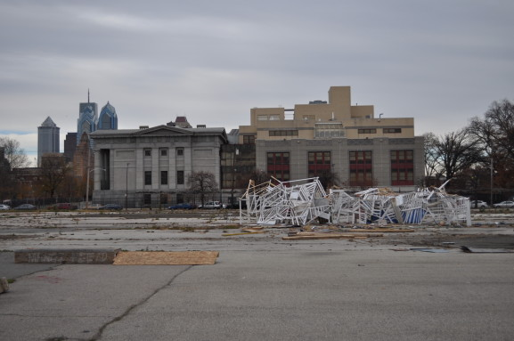A lone sculpture begins taking shape in the large, empty lot at Broad and Washington Ave.