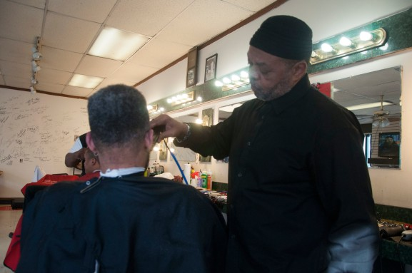 Nafis Williams, the owner of Thee Shop Plaza, executes a perfect shape-up for all of his loyal customers. |Photo: Michael Wojcik