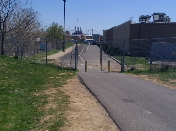 The Delaware River Trail connecting to Pier 70, behind the Walmart, ends abruptly and discourages cyclists.