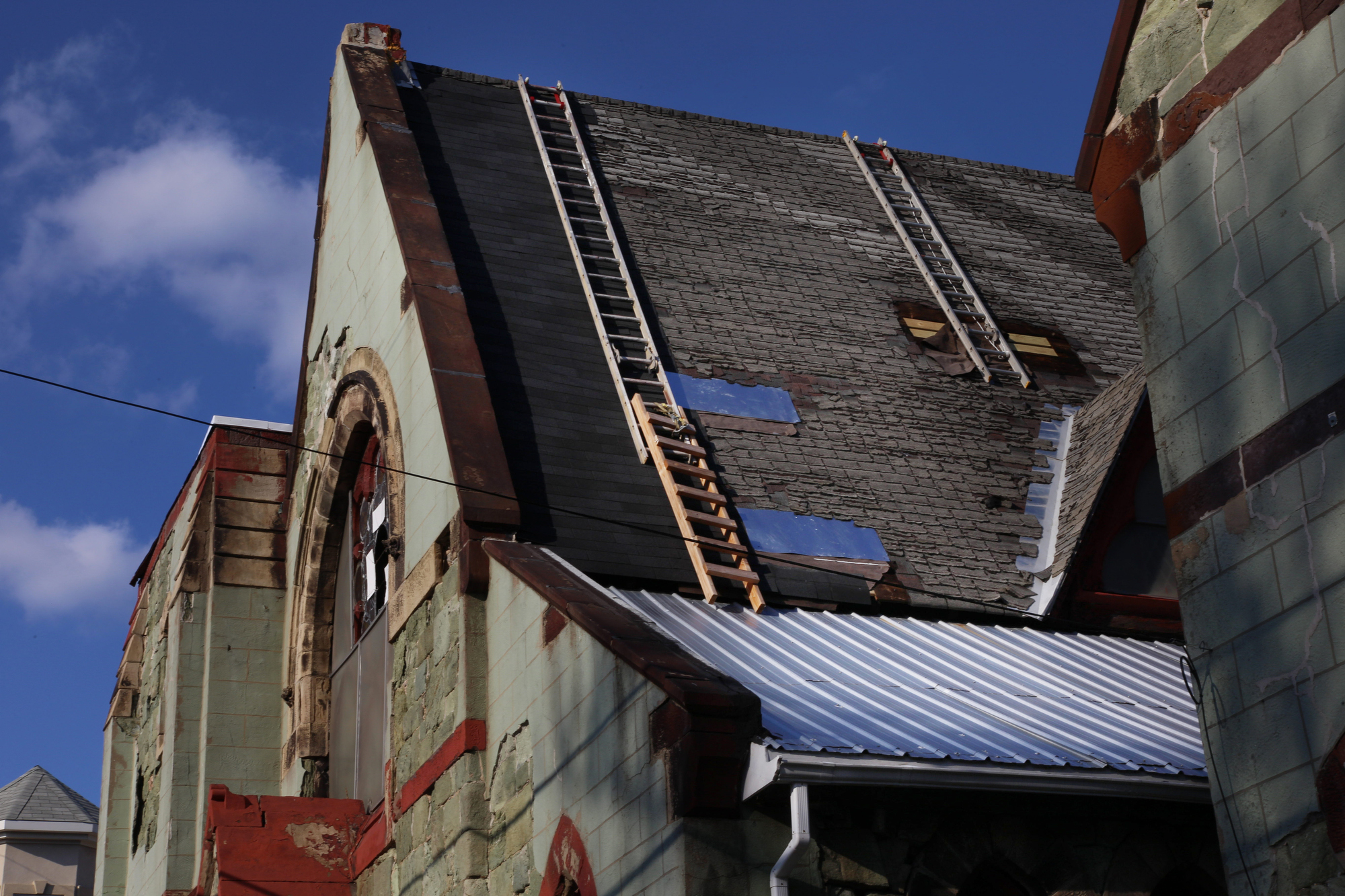 The partially repaired roof of the 19th Street Church.