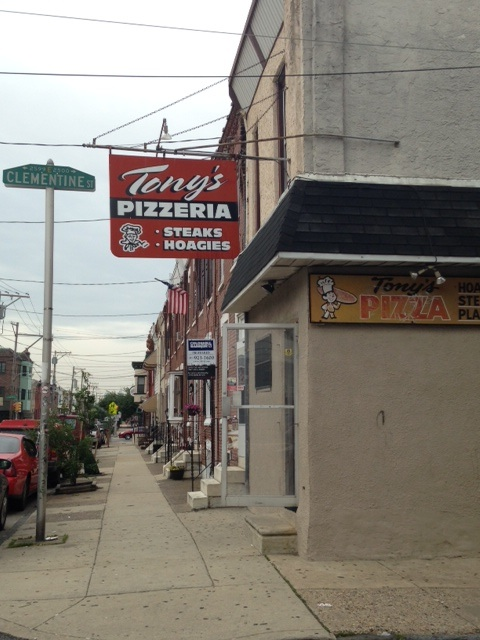 An award-winning Port Richmond establishment is about to close its doors after 33 years.