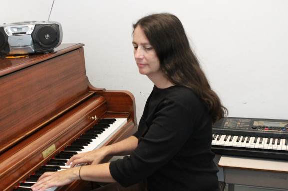Aileen Bunch felt as though Settlement Music School was a necessity for young musicians to help get established.