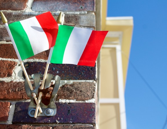 Italian flags placed by the entrance let customers know that they are in for an authentic meal
