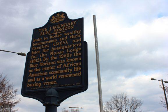 8 Blue Horizon historic sign